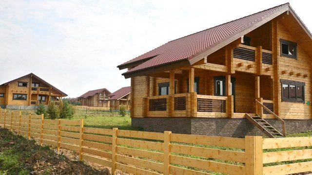 Медведев подписал постановление о льготных кредитах на покупку деревянных домов