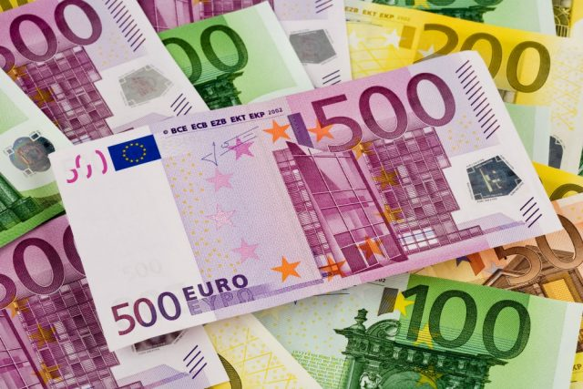 Евро превысил 80 рублей
