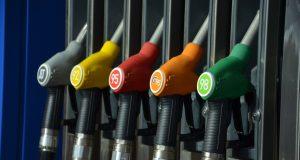 В Москве бензин за неделю подорожал почти на рубль