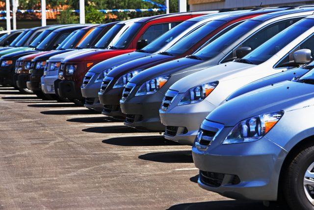 Россиянам запретят самим продавать свои автомобили