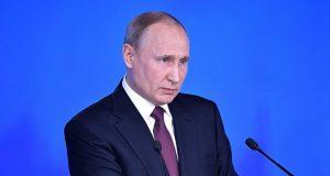 """Путин заявил об угрозе """"не выданного"""" экономического кризиса"""