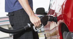 Россияне скупают бензин в интернете