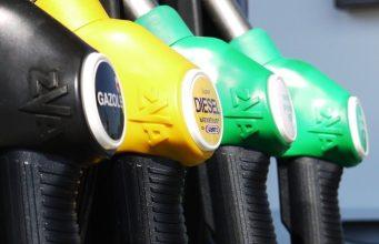 Росстандарт предлагает штрафовать за недолив топлива на АЗС