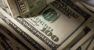 В правительстве захотели снизить зависимость от доллара