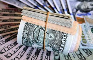 Назван критический уровень для доллара и евро