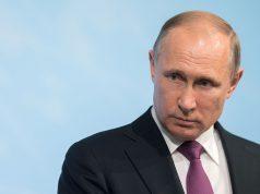 Пенсии в России будут расти, заявил Путин