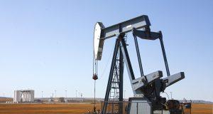 Нефть дешевеет на новых прогнозах МЭА