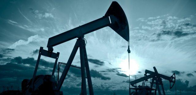 Американская нефть резко подешевела. Что случилось?