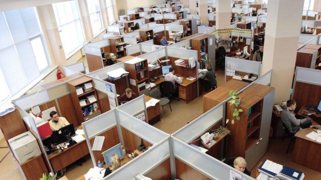 СМИ: Каждый четвертый работодатель в РФ планирует сократить штат в 2019 году