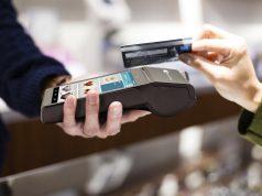 ЦБ выступил против ограничений комиссий банков за прием карт