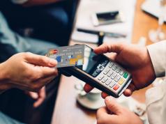 Платежные системы предложили снизить комиссию за эквайринг