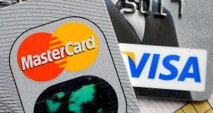 Средний лимит по кредиткам в РФ достиг послекризисного рекорда в 56 тыс руб