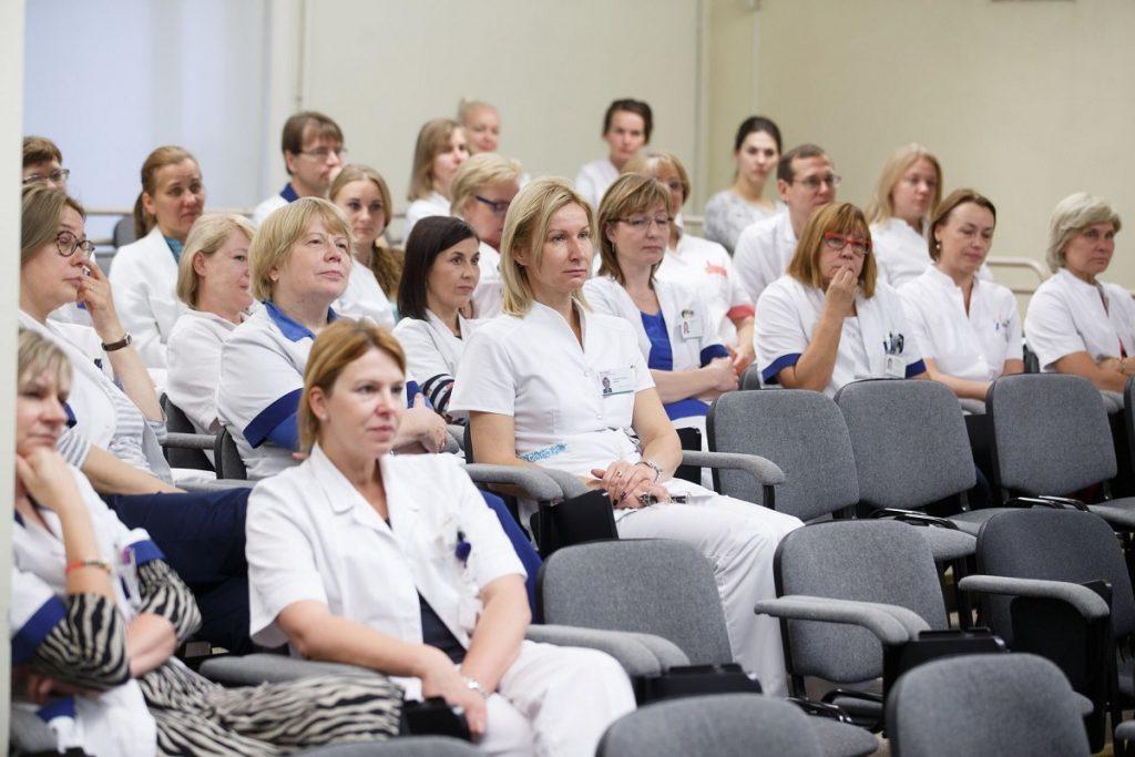 Зарплата врачей, медработников в 2019 году