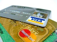 Новый закон для Visa и Mastercard вызвал споры, но Россию они не покинут