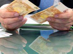 Кабмин РФ одобрил проект изменений в валютном законодательстве для операций с наличными