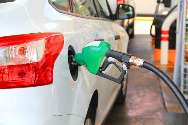 Эксперты прогнозируют снижение цен на бензин осенью