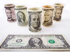 Доллар и евро торгуются в узких диапазонах