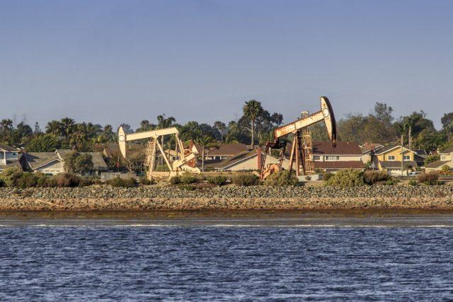 Нефть марки Brent снизилась ниже отметки в $66