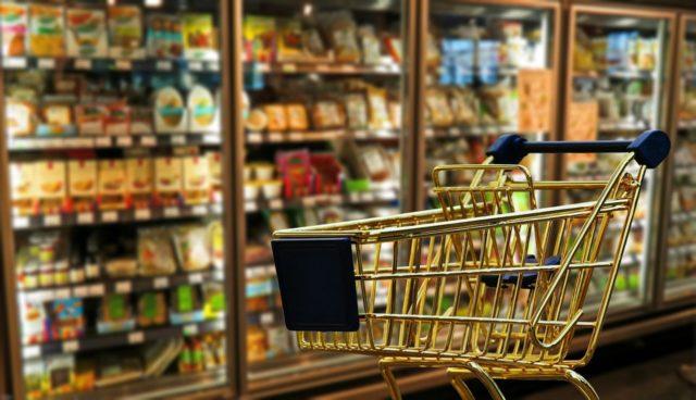 Расходы россиян на продукты снизились в 2021 году