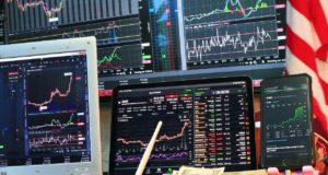 Фондовые рынки растут, золото дешевеет в преддверии решения ФРС