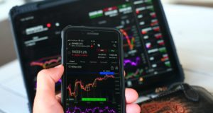 Торги на Московской биржи начались ростом